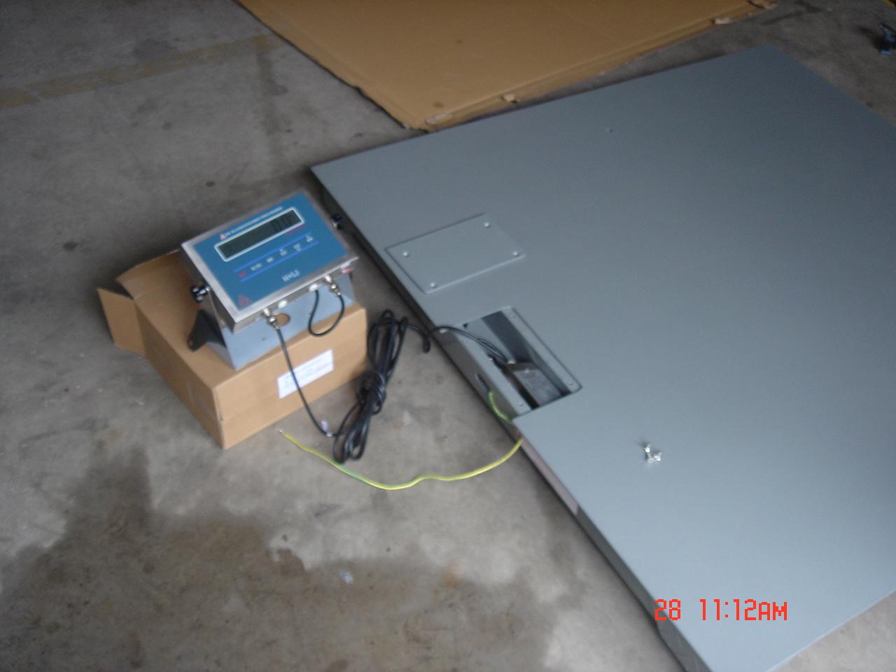 防爆地磅接线盒:全不锈钢密封外壳
