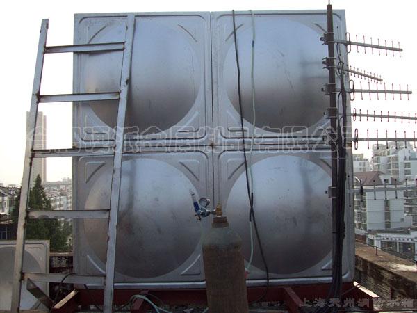 家用不锈钢水箱安装图 家用不锈钢储水箱 家用储水箱安装示意图