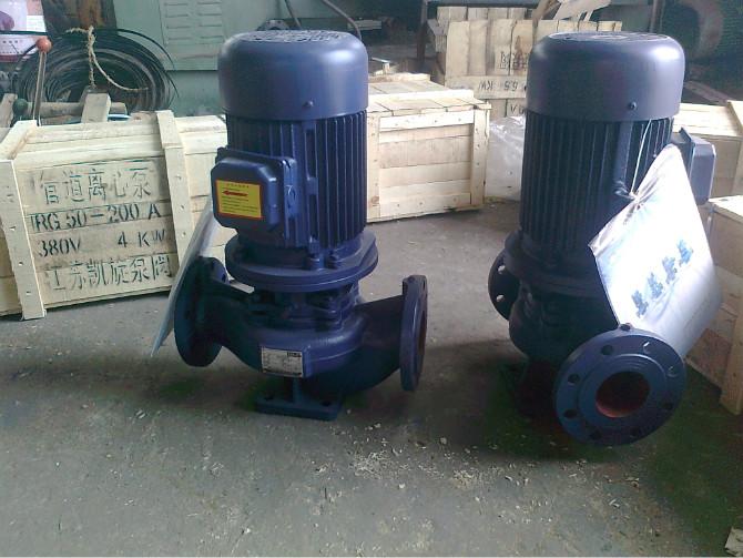 详细信息: ISW型卧式离心泵根据IS型离心泵与立式泵的独特结构组合设计,并严格按照国际标准ISO2858和最新的国家管道离心泵标准JB/T53058-93进行设计制造的高效节能产品。卧式离心泵采用国内先进水力模型优化设计而成。卧式离心泵同时根据使用温度、介质等不同在ISW型基础上派生出热水泵、高温泵、化工泵、油泵等,是目前国家标准定型推广产品。 产品用途 1、 ISW型卧式离心泵,供输送清水及物理化学性质类似于清水的其他液体之用,卧式离心泵适用于工业和城市给排水,高层建筑增压送水,园林灌溉,消防增压及