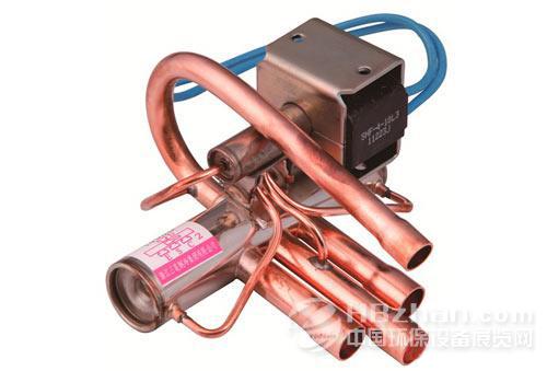 四通换向阀适用于中央,单元式和房间空调器等热泵型系统,通过切换制冷图片